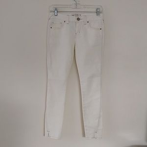 Free People white ankle jeans EUC size 24